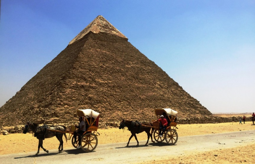 The Great Gigantic Pyramids ofGiza,Egypt
